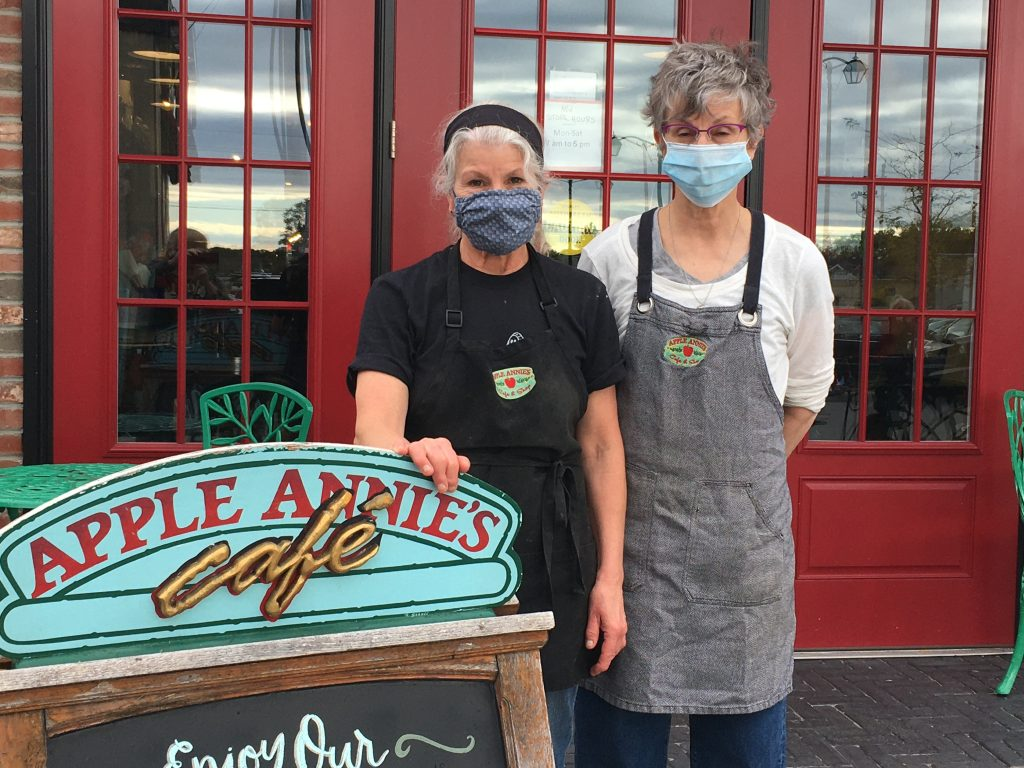 Nancy and Susan Willsey in front of Apple Annie's Cafe